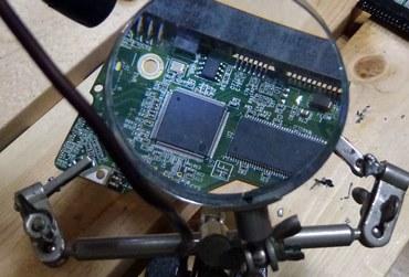 故障HDDチップ交換1.JPG