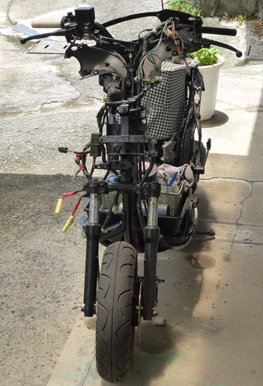裸スクーター.JPG