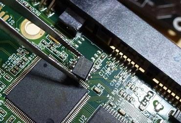 故障HDDチップ交換2.JPG